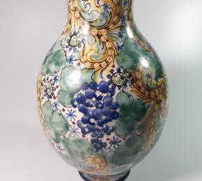 Fajánsová váza s malbou