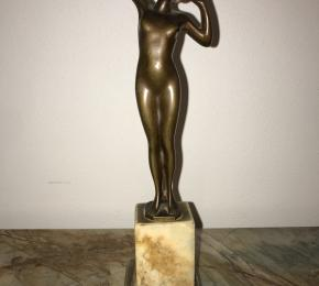 Soška z bronzu