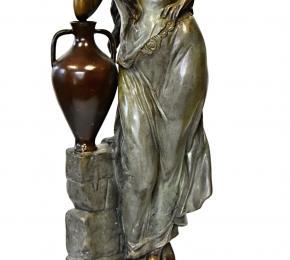 Bronzová Rebecca