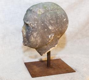 Hlava pískovec