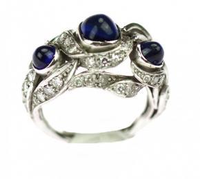 Platinový prsten se safíry